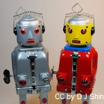450px-Ha_Ha_Toy_–_Tin_Hybrid_Wind_Up_&_Battery_Operated_–_Mr._Robot_–_The_Mechanical_Brain_–_Silver_&_Red_CC_DJShin_Wiki