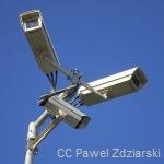 800px-Surveillance_video_cameras,_Gdynia_CC_PawelZdziarski_Wiki